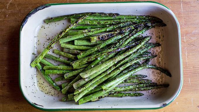 2015-07-05-how-to-grill-asparagus-5.jpg